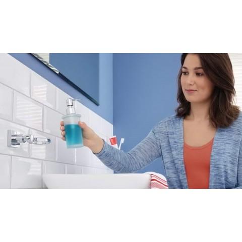 Dozator autoadeziv, de perete, pentru săpun, tesa® Hukk, metal cromat